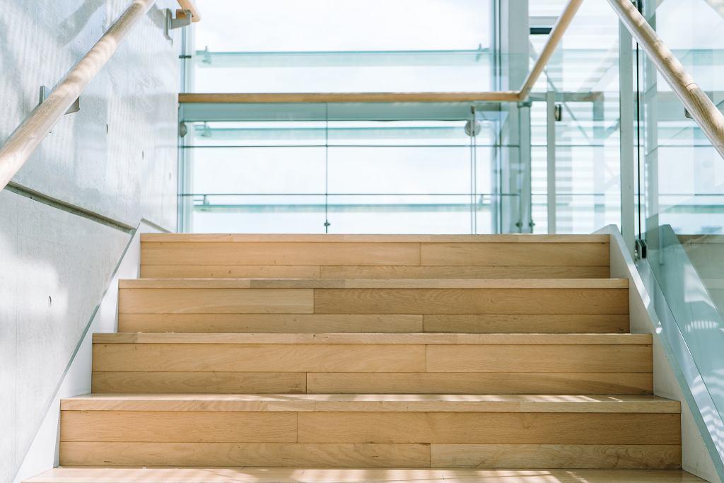 Schody drewniane.