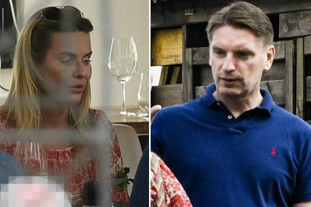 Zdjęcie numer 0 w galerii - Hanna i Tomasz Lis w restauracji z córkami. Mają kryzys? TE zdjęcia są tego najlepszym dowodem