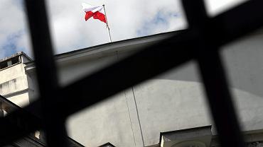 Flaga na budynku Sejmu