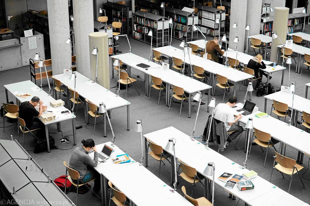 Warszawa, Biblioteka Uniwersytetu Warszawskiego  / Warszawa, Biblioteka Uniwersytetu Warszawskiego  ADAM STĘPIEŃ