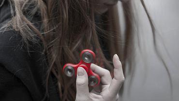 4 typy zabawek, które są dla dziecka bardziej rozwijające od fidget spinnera