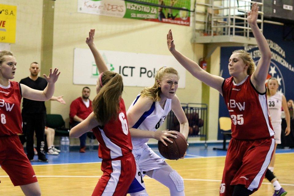 Koszykarskie ćwierćfinały mistrzostw Polski kadetek Gorzów 2016