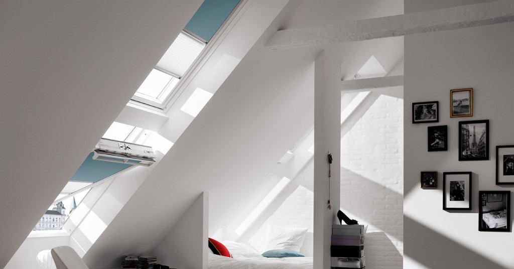 Sypialnia na poddaszu - zestawy okien