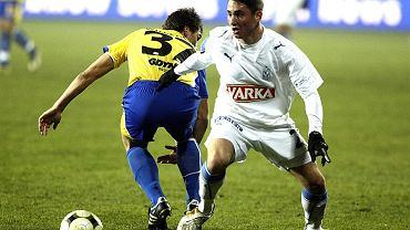 Rok 2008. Krzysztof Wolkiewicz w meczu Pucharu Ekstraklasy Lech Poznań - Arka Gdynia