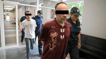 Oskarżeni o wielokrotne zgwałcenie 8-letniego chłopca ze szczególnym okrucieńśtwem