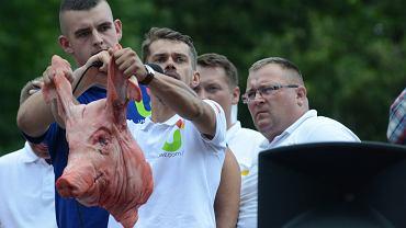 Przewodniczący zgromadzenia Michał Kołodziejczak podczas demonstracji - protestu rolników zorganizowanego przez Unię Warzywno-Ziemniaczaną. Warszawa, 13 lipca 2018