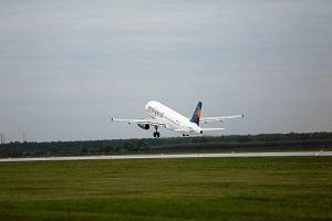 Samoloty będą mniej kopcić? ONZ chce norm spalin