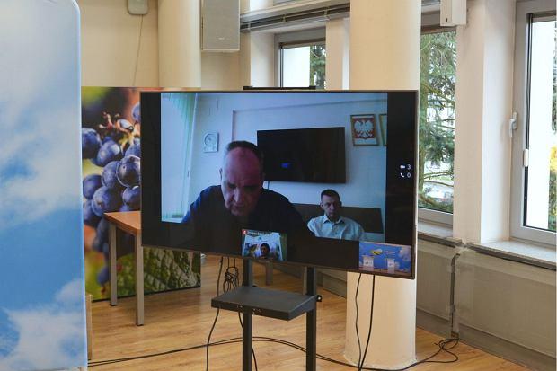 Jerzy Ostrouch, prezes szpitala w Gorzowie, na konferencji prasowej wystąpił w trybie zdalnym, łączył się przez internet