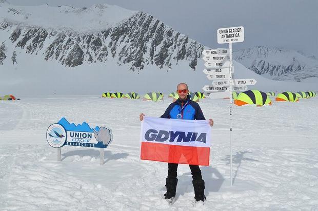 Zdjęcie numer 4 w galerii - Polak wygrał ekstremalny maraton na Antarktydzie.