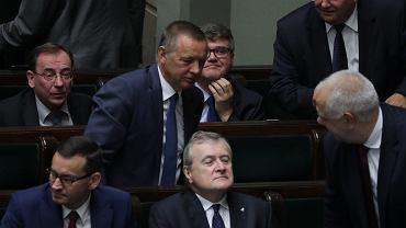 Marian Banaś wśród kolegów z rządu PiS. 85. posiedzenie Sejmu VIII kadencji, Warszawa, 30 sierpnia 2019