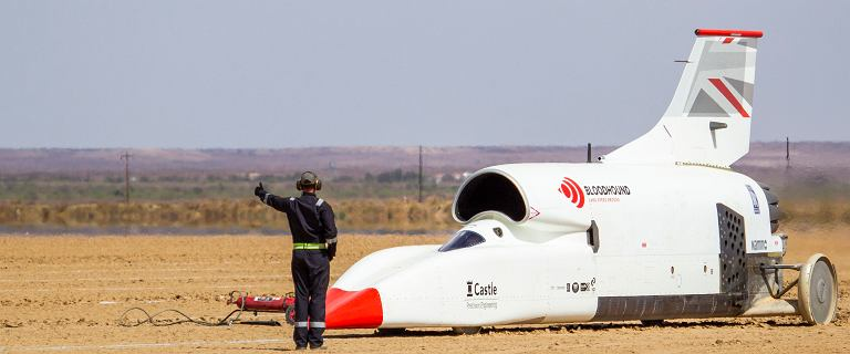 Samochód Bloodhound pojechał 1000 km/h. Za rok rekord prędkości?