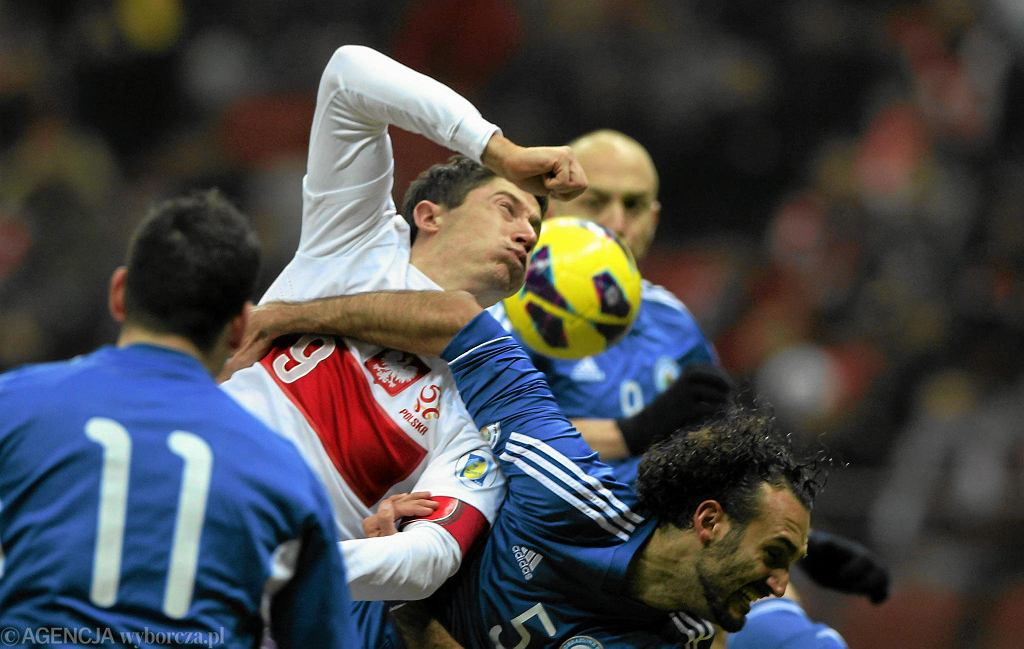 Tak walczy San Marino. Osaczony Robert Lewandowski, mecz na Stadionie Narodowym z 2014 roku