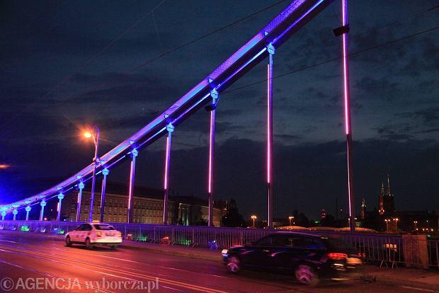Zdjęcie numer 10 w galerii - Most Grunwaldzki nocą z nowymi światełkami. Jak Wam się podoba? [ZDJĘCIA]