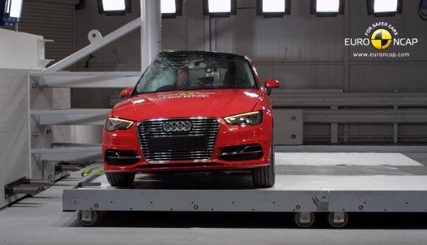 Audi A3 Sportback e-tron - test zderzeniowy