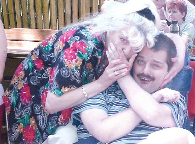 Jolanta Krysiak z niepełnosprawnym synem Rafałem