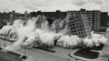 Wysadzanie w powietrze osiedla Pruitt-Igoe-collapses