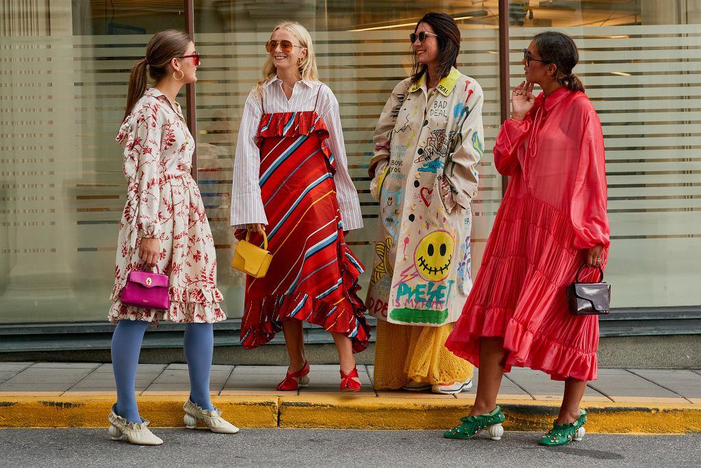eec284d4fe Zwiewne sukienki w street style owych stylizacjach