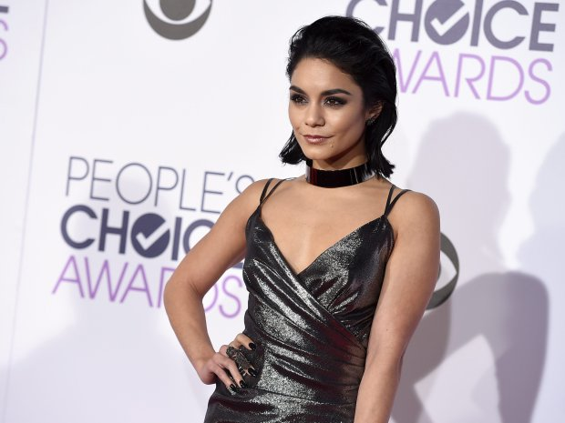 2016 People's Choice Awards - Arrivals