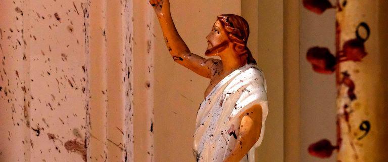 Jezus we krwi ofiar zamachów na Sri Lance.