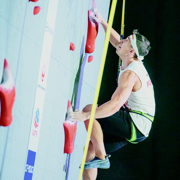 Speed climbing, czyli wspinaczka na czas, będzie dyscypliną olimpijską już na najbliższych igrzyskach w Tokio. Mamy szanse na medal, bo Marcin Dzieński jest mistrzem świata. Jego najgroźniejsi rywale to Rosjanie, Irańczycy i zawodnicy z Indonezji.