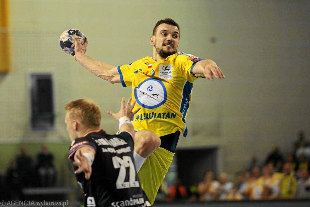 Michal Jurecki podczas meczu PGE Vive Kielce : SG Flensburg - Handewitt .