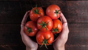 Jak przechowywać pomidory? Najlepiej z dala od lodówki. Zdjęcie ilustracyjne, goffkein.pl/shutterstock.com