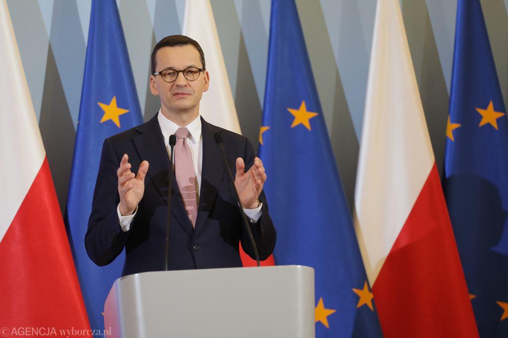 Rząd wprowadził w Polsce stan epidemii