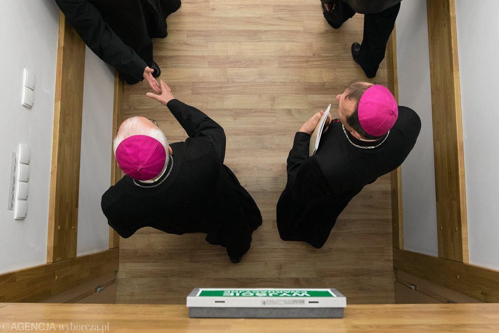 Biskupi już po zebraniu. Uważają, że Kościół pomaga w walce z pedofilią