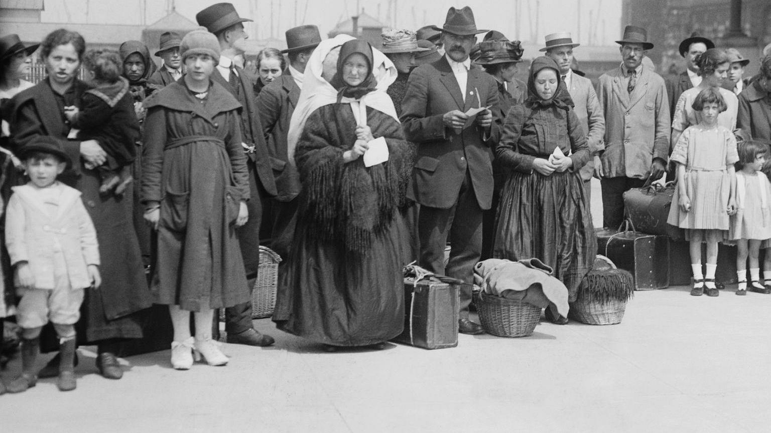 Imigranci czekający na wyspie Ellis
