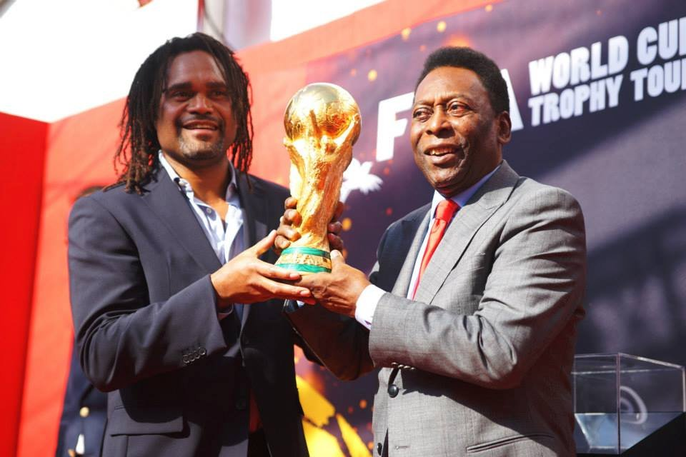 Christian Karembeu i Pele z Pucharem Świata