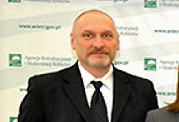 """PiS-owski dyrektor ARiMR podaje się do dymisji. """"Nie chcę obciążać partii"""""""