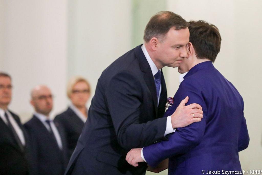 Dymisja rządu premier Beaty Szydło