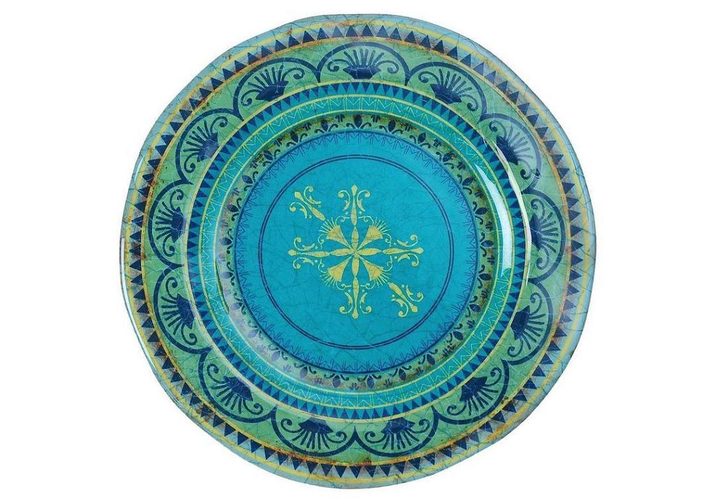 Niebieski talerz z sycylijskim wzorem.
