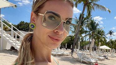 Izabela Janachowska pozuje w Dubaju, ale show kradnie Christopher