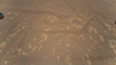 """NASA opublikowała pierwsze kolorowe zdjęcie z Marsa z lotu ptaka. Będzie """"wyżej, dalej, szybciej"""""""