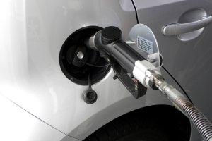 Polski rząd stawia na gaz ziemny i zamierza znieść akcyzę na CNG oraz LNG