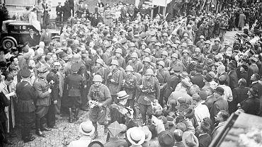 Triumfalne wkroczenie polskich wojsk do Czeskiego Cieszyna, 2 października 1938 r.