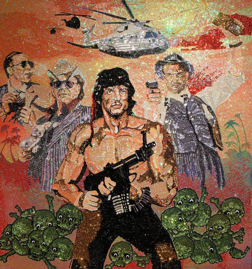 Rambo, czyli 'Człowiek, który rozdawał śmierć'. Tę pracę Mai Kitajewskiej oglądać możemy na stacji Centrum Nauki  Kopenik