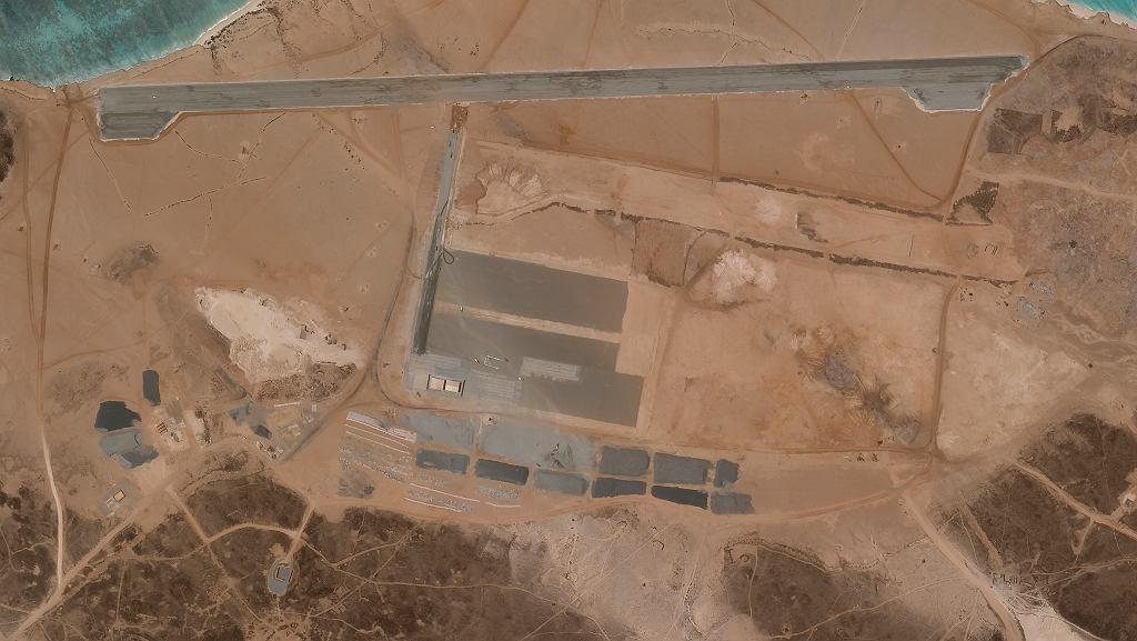 Jemen. Na wyspie wulkanicznej powstaje tajemnicza baza lotnicza