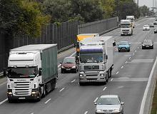 Zakaz wyprzedzania się ciężarówek na polskich drogach - co myślicie o nim wy? 81 proc. czytelników chciałoby całkowitego zakazu