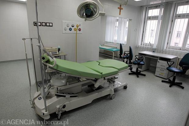 """Tajemnicza śmierć noworodka. """"Żaden system nie zapewni, by pielęgniarka cały czas sprawdzała, czy dziecko oddycha"""""""