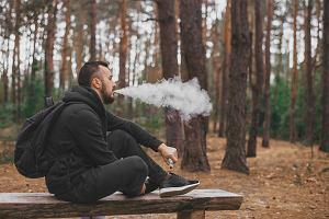 USA: Pierwsza śmiertelna ofiara choroby płuc związanej z używaniem e-papierosów