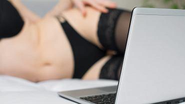 'Na polskim forum camgirls panuje opinia, że lepiej jest pracować na stronach zagranicznych. To większy zarobek i mniejsze ryzyko, że ktoś znajomy zobaczy'