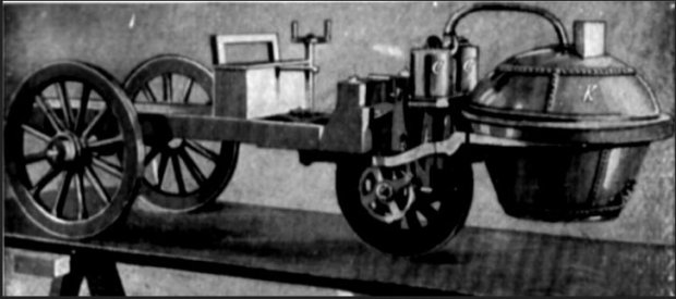 pierwszy samochód