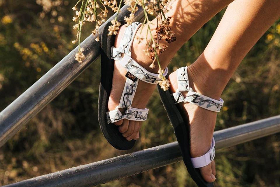 sandały teva