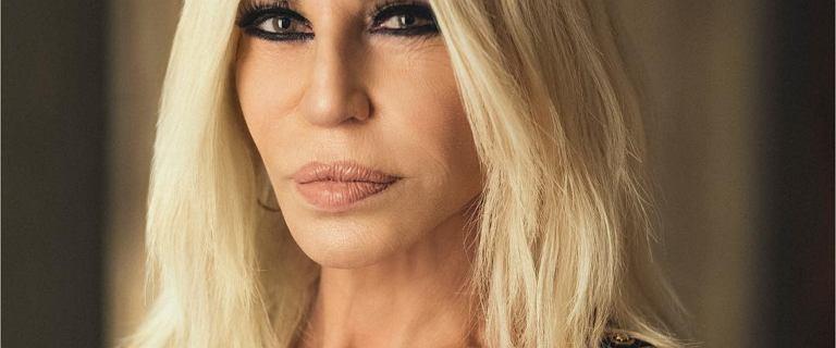 Tak Donatella Versace wyglądała miesiąc temu. Niestety, znów jest dużo gorzej