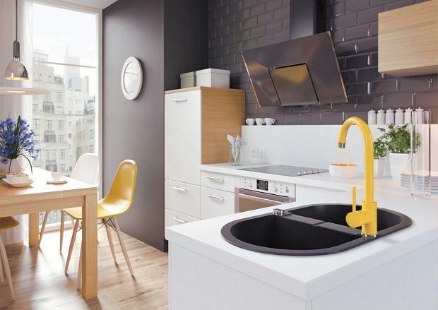 Mała kuchnia w bloku pełna dobrych rozwiązań. 12 inspirujących wnętrz