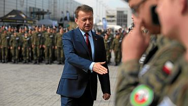 Minister obrony w rządzie PiS Mariusz Błaszczak podczas inauguracji roku szkół mundurowych. Kielce, 4 września 2018