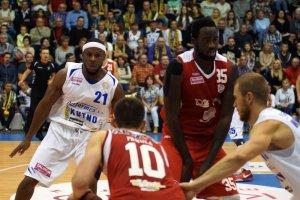 Osłabiony Polfarmex Kutno pokonał AZS Koszalin w Tauron Basket Lidze