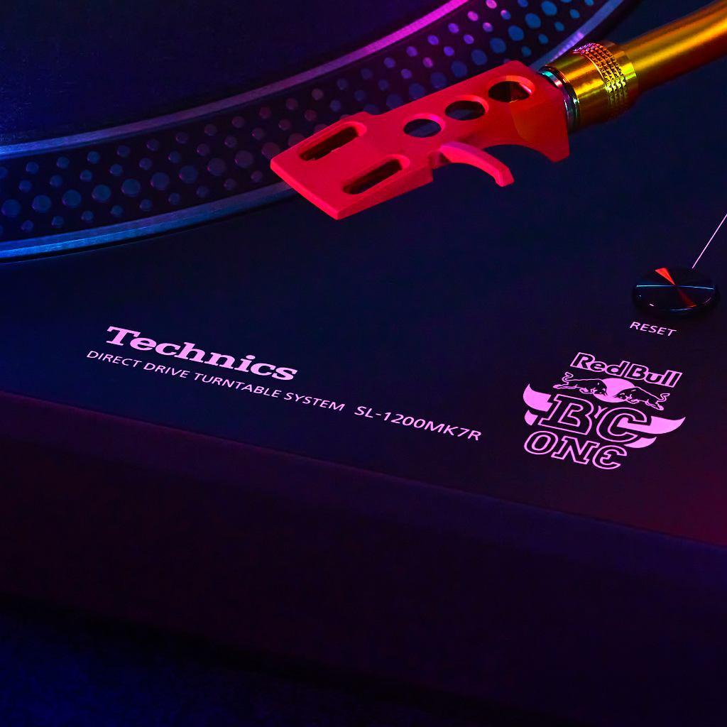 Technics i Red Bull - dwie legendy łączą siły, aby wspólnie celebrować kulturę hip-hopu